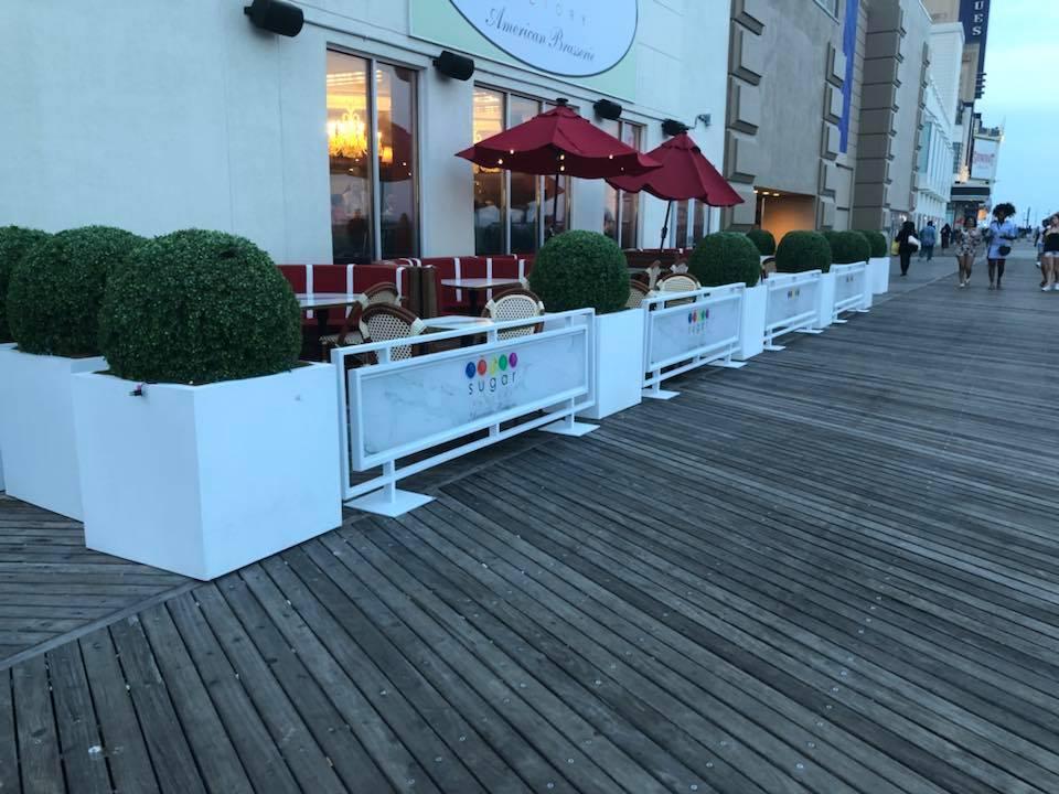 Sidewalk Cafe Barrier Style F Framed Aluminum Panel